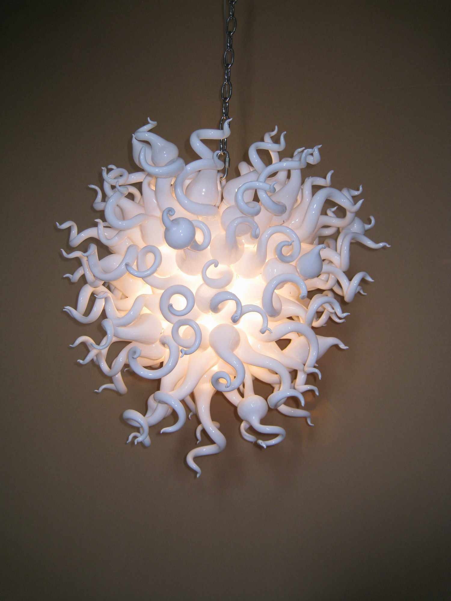 Simple and pure milky white hand blown art glass chandelier home decoration sales