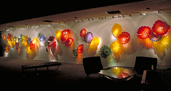 High quality and full of youthful beauty attractive hand blown glass wall art