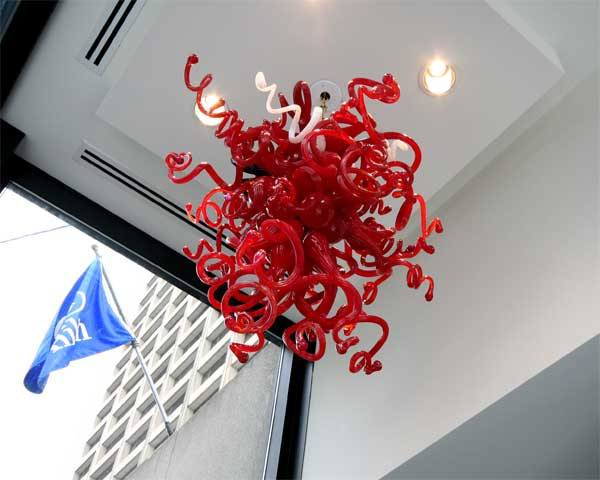 Cheap contemporary red hand blown art decoration glass chandeliers for sale